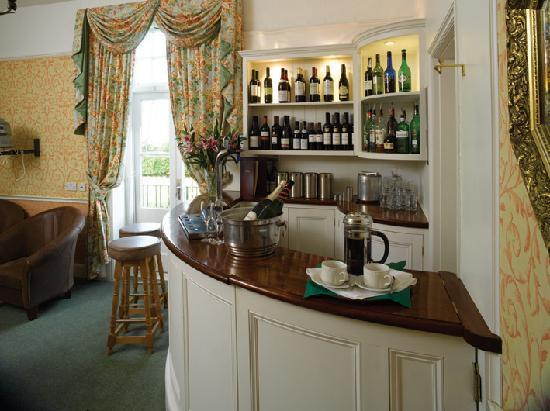 Hunters Moon Hotel: Coffee or a Pimms?
