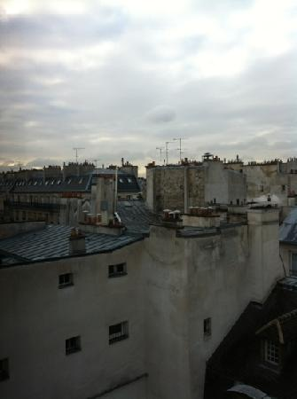 Domingo Rooms de Paris : view from the window