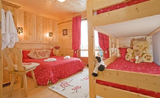 Chalet Morzine Luxury Chalets, Chalet Morzine : Family room