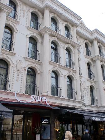 Eingangsbereich außen   bild von sura design hotel & suites ...