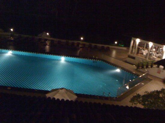 Cinnamon Citadel Kandy: la piscina