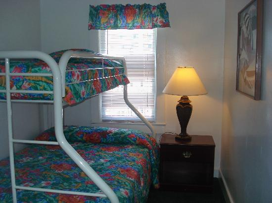 Nock Apartments: Bedroom with Bunk bed