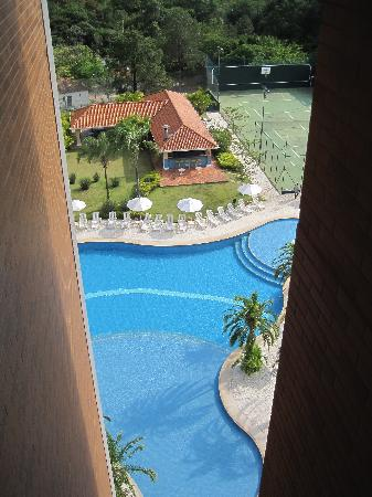Vitória Convention Indaiatuba : The pool while waiting for the elevator