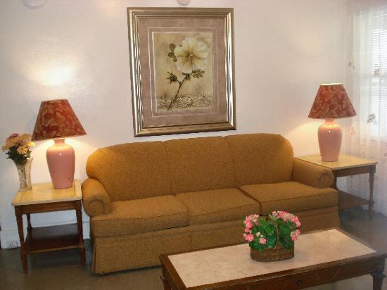 Nock Apartments: Living room, 4 bedroom