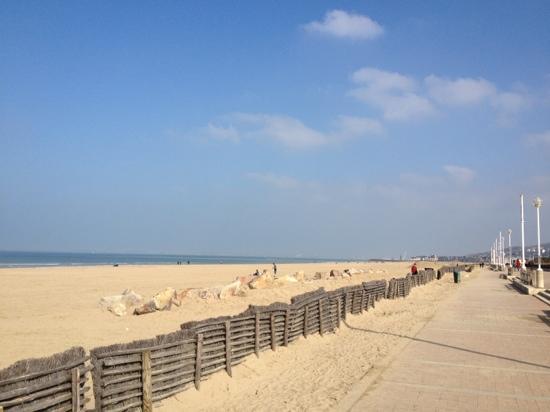 Les Manoirs de Tourgéville: beach