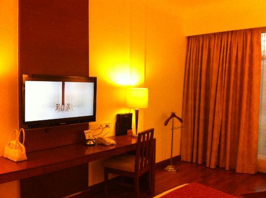 Welcomhotel Vadodara: room 137