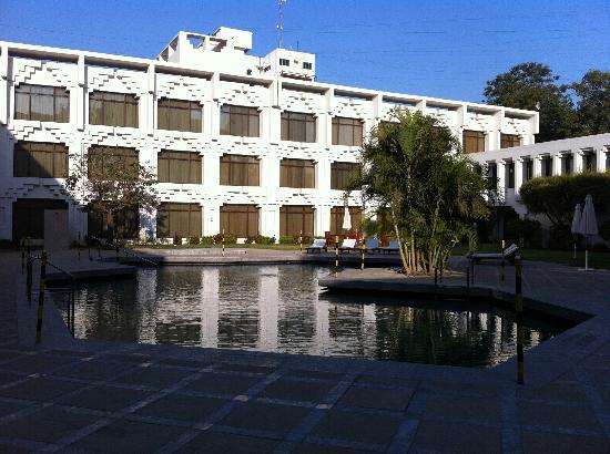 Welcomhotel Vadodara: pool