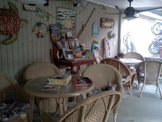 Nature Coast Inn: A relaxing area to read