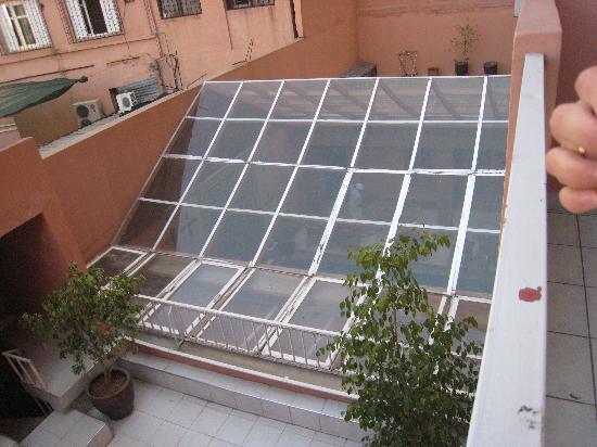 Corail Hotel: vue de notre balcon sur la piscine!!