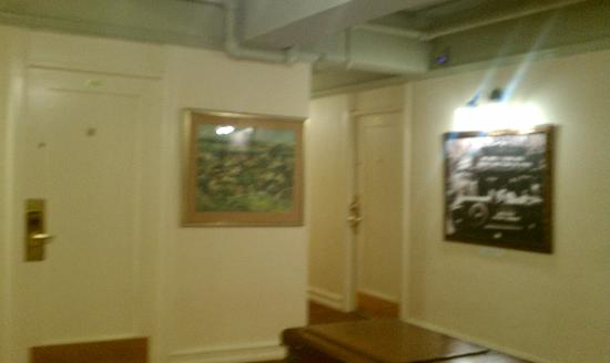 Hotel San Carlos : Hallway