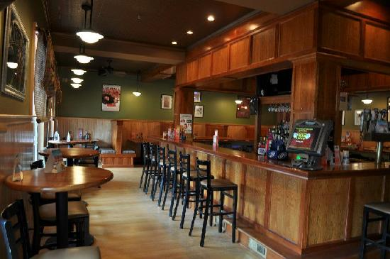 Hancock House Hotel: Honest Eddie's Tap Room - Located on the 1st Level of the Hotel
