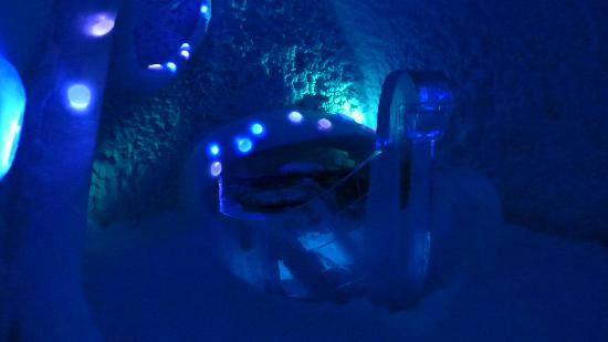 ICEHOTEL: Another Art Suite