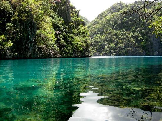Peaceful beauty at Kayangan Lake