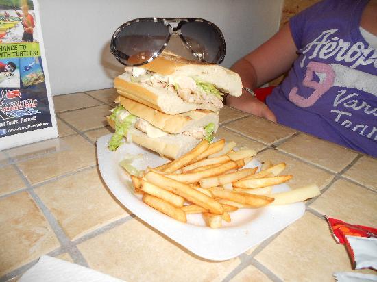 Pan Deli: Chicken Sandwich