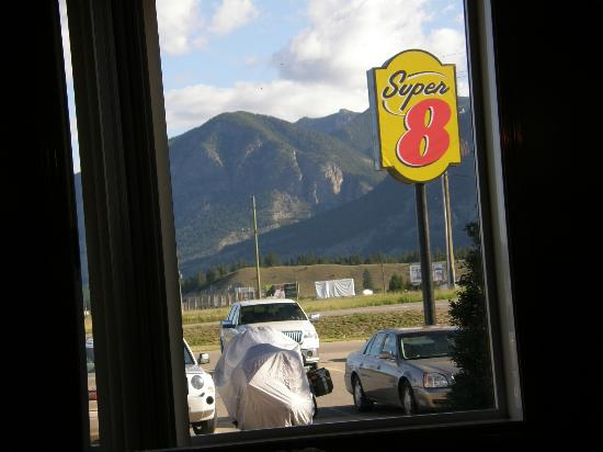 The Kanata Inns Invermere: The views were breathtaking
