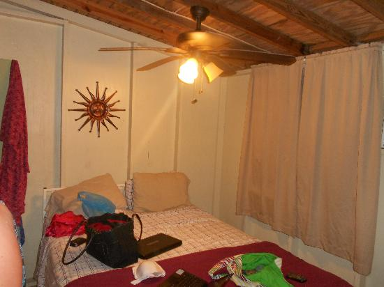 Naniqui Guest House & Rentals: One of the bedrooms