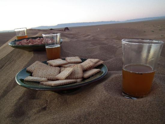 Karim Sahara : Tea in Sahara with you....