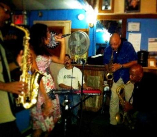 Paris Blues: Wednesday with Les Goodson