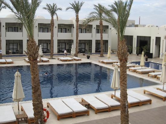 SENTIDO Reef Oasis Senses Resort: теплый бассейн