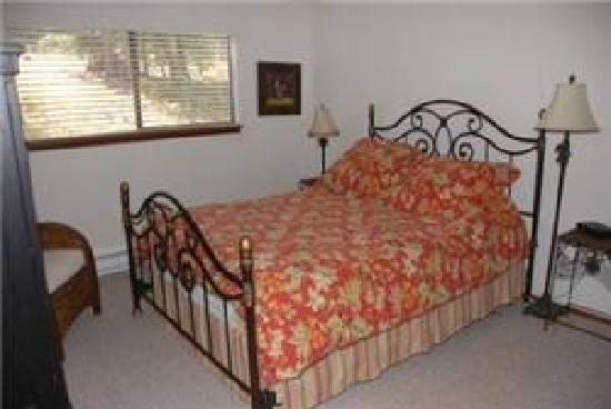 Destinations West at Beaver Village Condominiums: Bedroom Example
