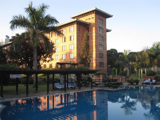 โรงแรมคราวน์ พลาซา กาฐมัณฑุ: CP Soaltee mit Swimming Pool