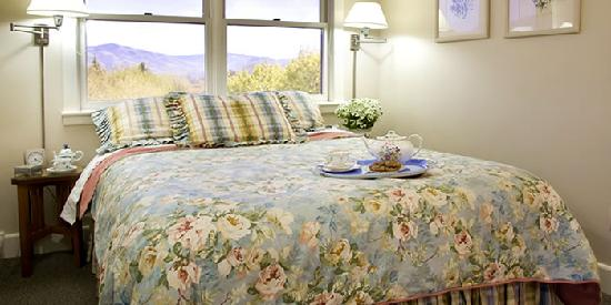 Chanticleer Inn B&B: Fleur Room