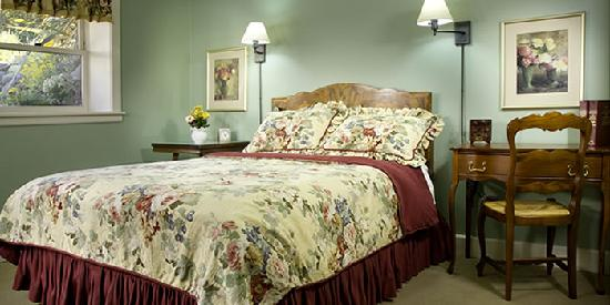 Chanticleer Inn B&B: Rosette Room