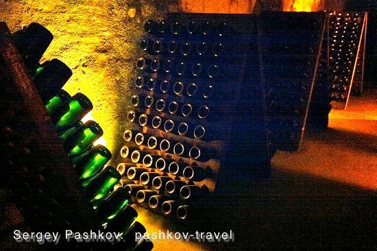 Ibis Chalons en Champagne: Подвалы шампанских домов