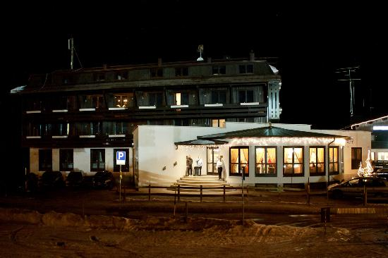 Dolomiti Chalet Family Hotel....by night