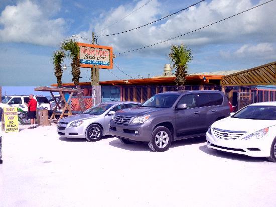 High Tides at Snack Jack: Valet parking