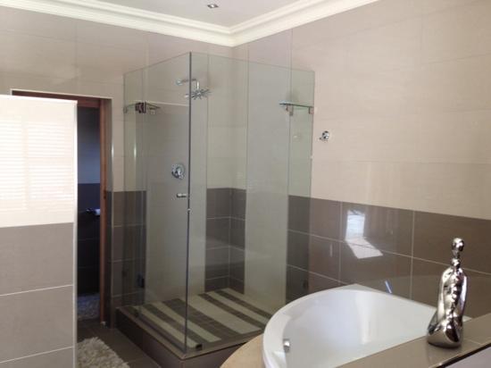 Boa Vida Guesthouse: bathroom