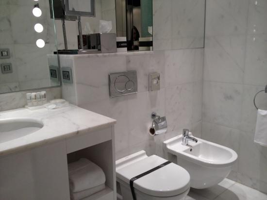 Le Meridien Al Khobar : clean bathrooms