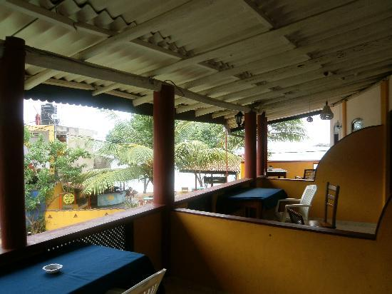Seaview Deepal Villa: vista terrasa