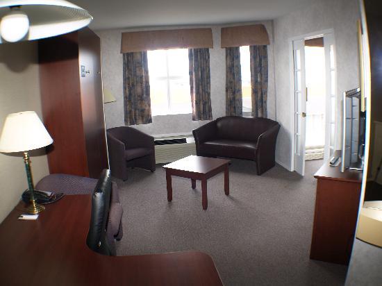 Quality Suites Mont Sainte Anne : Living Room