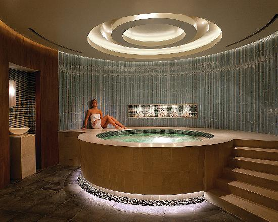 Four Seasons Hotel Denver: Spa whirlpool