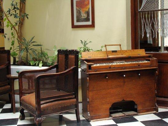 Hotel Posada del Virrey: El hall