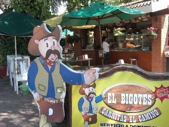 El Bigotes Carnitas el Camino: Sign and setting at El Bigote
