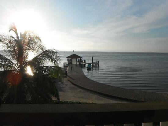 Grand Caribe Belize Resort and Condominiums : View from our room