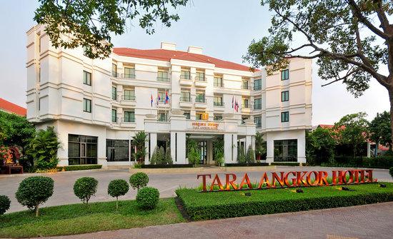Tara Angkor Hotel: Front facade