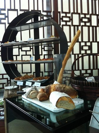 Conrad Hong Kong: Breakfast - Garden Cafe