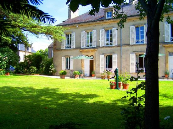 Clos de Bellefontaine : XIX° century's house in the town of Bayeux