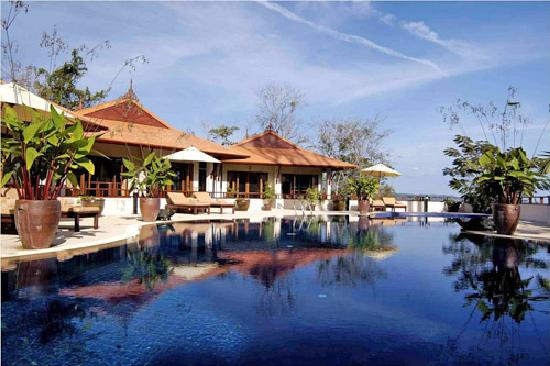 Rising Sun Residence: Swimming Pool