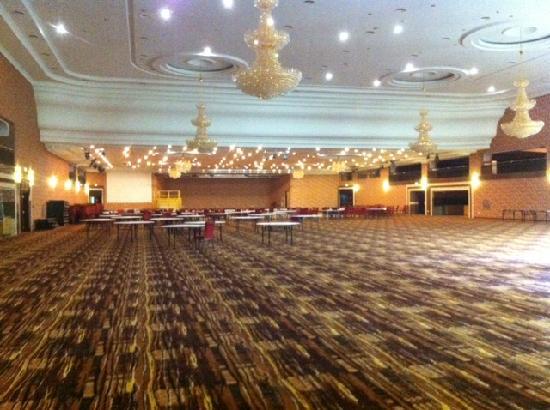 Hotel Golebiewski: grandious ballroom