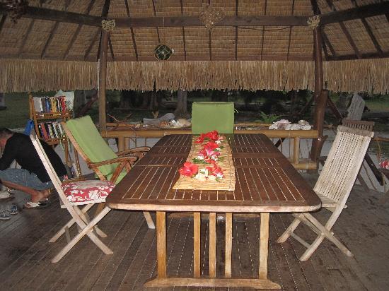 Blue Heaven Island lodge: sala da pranzo coperta