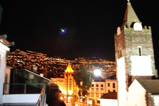 Albergaria Catedral : вид с холла на верхнем этаже