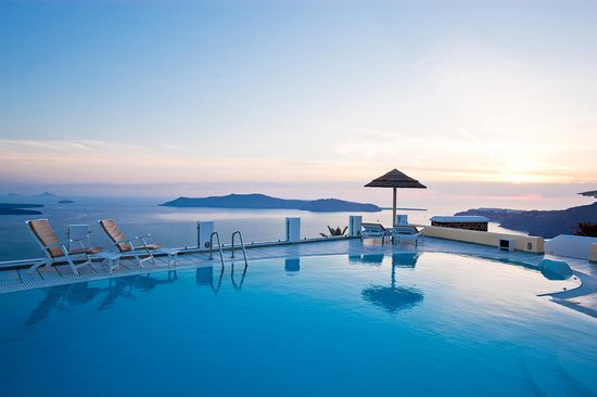 Santorini Princess: Pool view