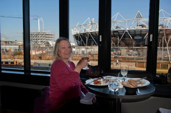 Forman's: Nikki enjoys her Brunch with a View