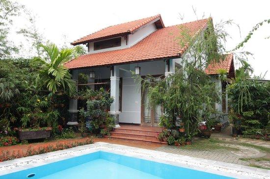 Orchid Garden Resort : Our Cattleya bungalow.