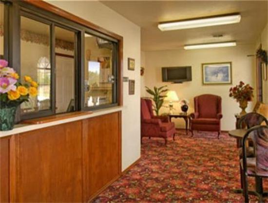 Super 8 Muskogee: Lobby For Hotel