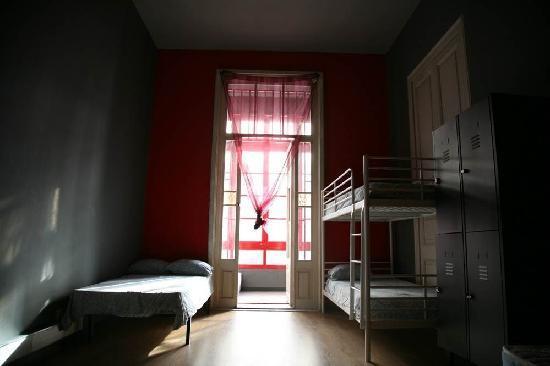Lullaby Rambla Catalunya: bedroom
